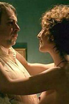 Голая Эльза Зильберштейн в фильме «Месье N.», 2003