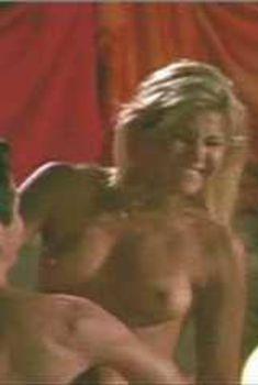 Голая Эми Линдсей в сериале «Лучший секс в вашей жизни», 2002