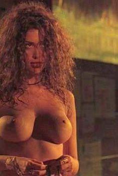 Голая Энджи Сепеда в фильме «Сексназ капитана Пантохи», 2000