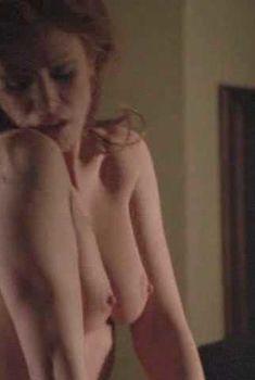 Голая Энджи Эверхарт в фильме «Голый свидетель», 2002