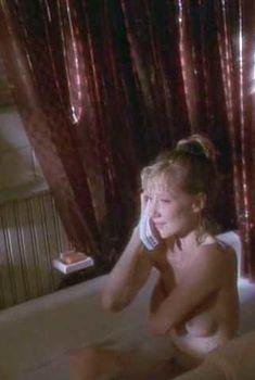 Голая Энн Хеч в фильме «Если бы эти стены могли говорить», 1996
