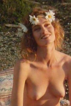 Голая Эрика Андерсон в фильме «Зандали», 1991