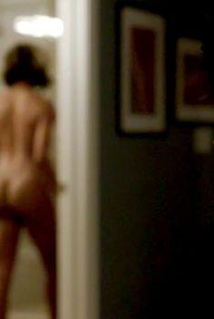 Голая Эрика Эш в сериале «Раскаяния выжившего», 2014