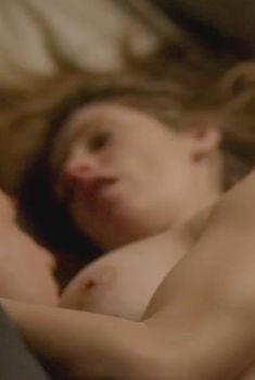 Голая Эшли Грин в сериале «Бестия», 2013