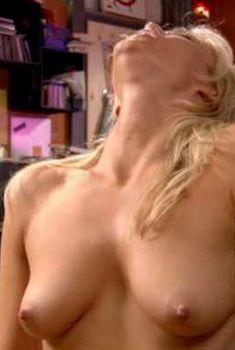 Голая Эшли Хаббард в фильме «Американский пирог. Переполох в общаге», 2007