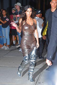 Ким Кардашьян в прозрачном платье без бюстгальтера в Нью-Йорке, Сентябрь 2016