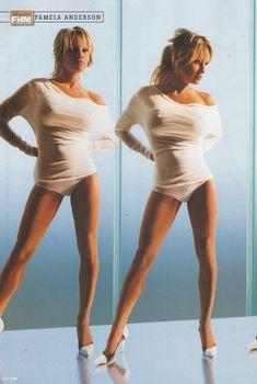 Грудастая Памела Андерсон в журнале FHM, Август 2005