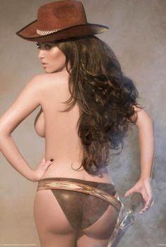 Ким Кардашьян в эротической фотосессии для календаря, 2008