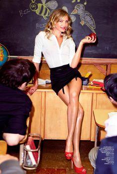Возбуждающая учительница Камерон Диаз в журнале  Maxim, Октябрь 2011