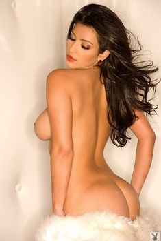 Абсолютно голая Ким Кардашьян в журнале Playboy, 2007