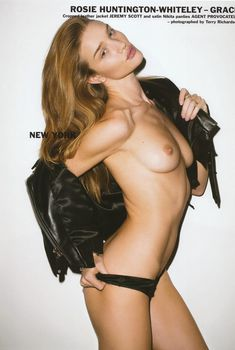 Роузи Хантингтон-Уайтли обнажила грудь для журнала Purple, Февраль 2010