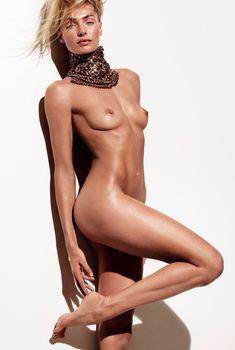 Обнаженная Джессика Харт в журнале Vogue, Январь 2013