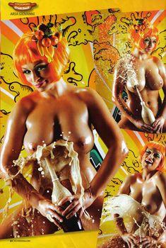 Ария Джованни показала голые сиськи  в журнале Bizarre, Июль 2009