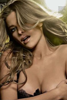 Сексуальная красотка Кармен Электра  в журнале Jack, Октябрь 2009