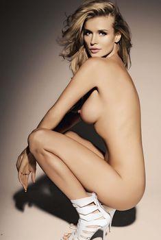 Джоанна Крупа разделась в журнале Playboy, Февраль 2010