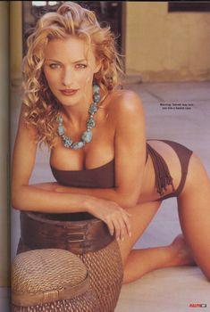 Сексуальная Табретт Бетелл снялась в журнале Ralph, Октябрь 2002