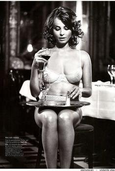 Сексуальная Виоланте Плачидо в белье для журнала GQ, Декабрь 2009