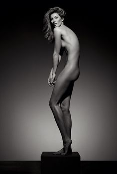 Стройное тело Жизель Бюндхен в журнале Vogue, Май 2015