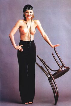 Абсолютно голая Мелисса Джордж в журнале Playboy, Март 1997