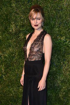 Голая грудь Мелисса Джордж на церемонии вручении премии CFDA/Vogue Fashion Fund Awards, 2014