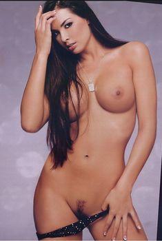 Полностью раздетая Китана Бэйкер снялась в журнале Playboy's Lingerie, Июль 2003