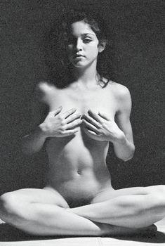 Молодая голая Мадонна  в журнале Playboy, Май 2015