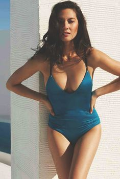 Соблазнительная Оливия Манн  в журнале Esquire, Февраль 2015