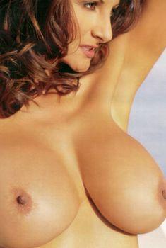 Полностью голая Петра Веркаик показала пушистую киску в журнале Playboy's Lingerie, Июль 2000