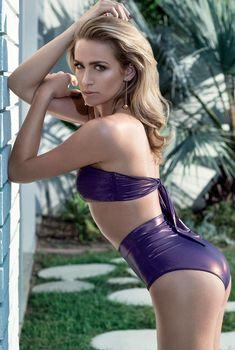 Сексуальная Шантель Ван Сантен в купальниках для журнала Maxim, Май 2015