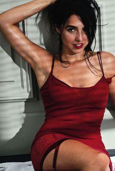 Сексуальная Кристина Брондо на фото в журнале FHM, Октябрь 2010