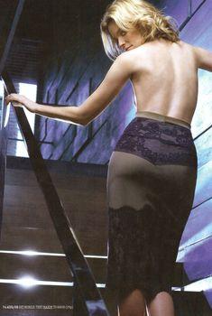 Горячая Элизабет Бэнкс снялась в журнале Maxim, Август 2008