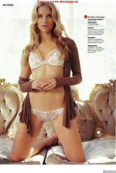 Красотка Эллен Холлман в эротическом белье для журнала Maxim, Июнь 2012