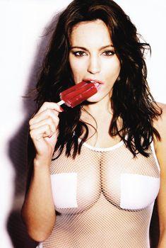Келли Брук в эротической фотосессии для Esquire June 2011 (6-2011) UK, Июнь 2011