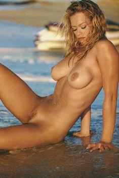 Обнажённая Наталия Соколова снялась в журнале Playboy, Май 2001