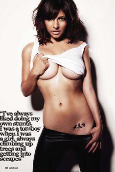 Сексуальная Роксанна Паллетт демонстрирует животик в журнале Loaded, Ноябрь 2010