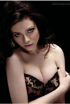 Сексуальная Мишель Трахтенберг в эротическом белье для журнала Maxim, Август 2011