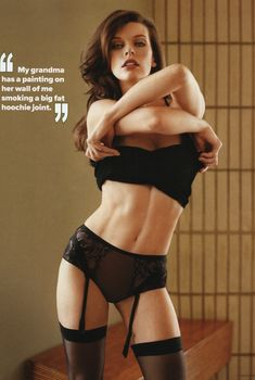 Секси Милла Йовович для журнала Maxim, Март 2012