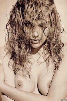 Обнаженная Шэрон Стоун  в журнале Playboy, Июль 1990
