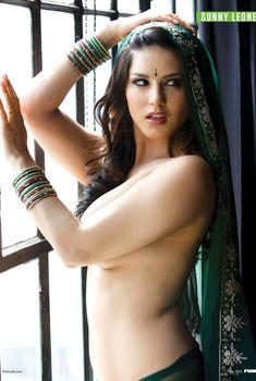 Эротичная Санни Леоне  в журнале FHM, Май 2012
