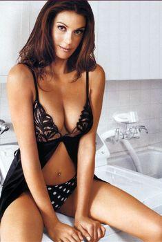 Сексуальная Тери Хэтчер на фото для журнала FHM, Февраль 2005
