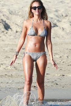 Соблазнительная Джессика Альба на пляже в Кабо-Сан-Лукас, 01.02.2015