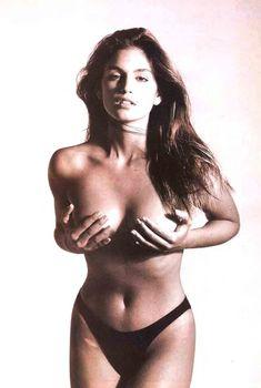Обнаженная Синди Кроуфорд  в журнале Playboy, 1995