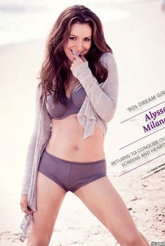 Эротичная Алиса Милано в фотосессии для журнала Maxim, Ноябрь 2013