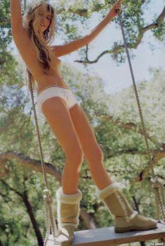 Обнаженная Дэрил Ханна  в журнале Playboy, Ноябрь 2003