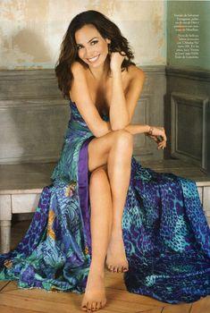 Роскошная Инес Састре в фотосессии для журнала Elle, Февраль 2012