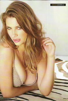 Эротичная Мириам Джованелли  в журнале FHM, Сентябрь 2009