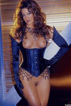 Сексуальная Клаудия Кристиан обнажилась полностью в журнале Playboy, Октябрь 1999