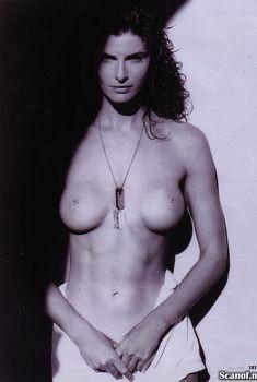 Джоан Северанс снялась голой в журнале Playboy, Март 2005