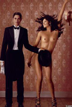 Карина Ломбард обнажилась для эротической фотосессии в журнале Playboy, Июль 2005