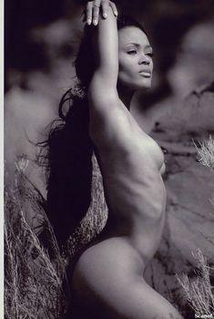 Абсолютно голая Робин Гивенс снялась в журнале Playboy, Сентябрь 1995